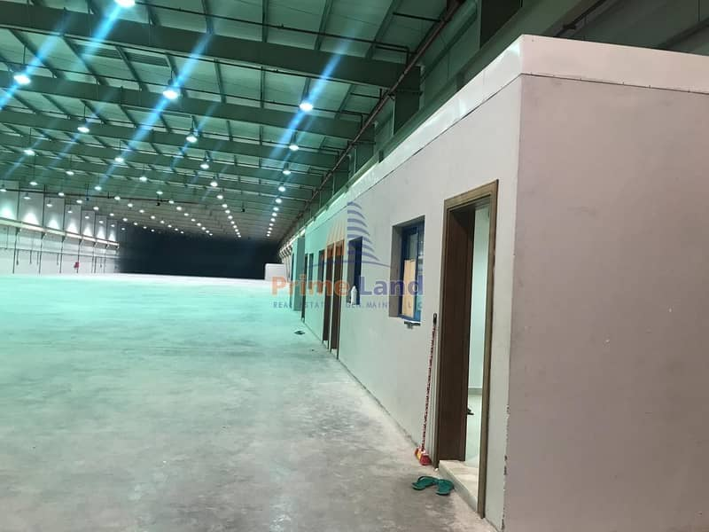 8 Excellent warehouse with Open Yard