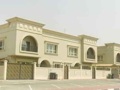5 Bedroom Villa for Rent in Umm Suqeim, Dubai - New finish 5 bedroom plus maid villa with pvt garden in Umm Suqeim 2