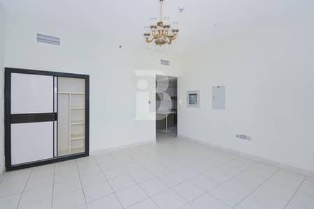 استوديو  للايجار في مدينة دبي للاستديوهات، دبي - Compact Studio with Contemporary Kitchen in Studio City