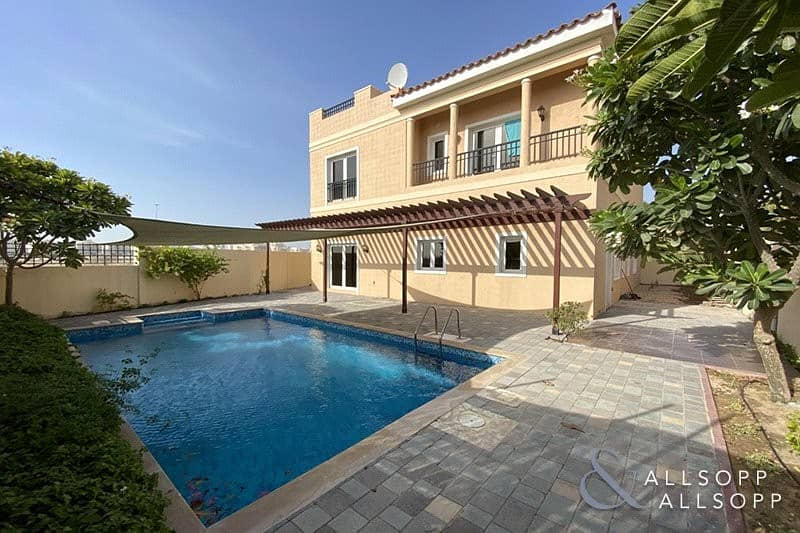 A2   5 Beds   Private Pool   Corner Plot