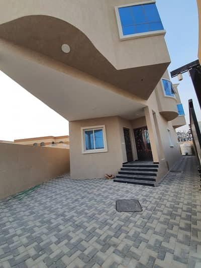 4 Bedroom Villa for Sale in Al Helio, Ajman - Villa for sale, personal finishing, excellent price, Ajman, close to the main street, a large building area
