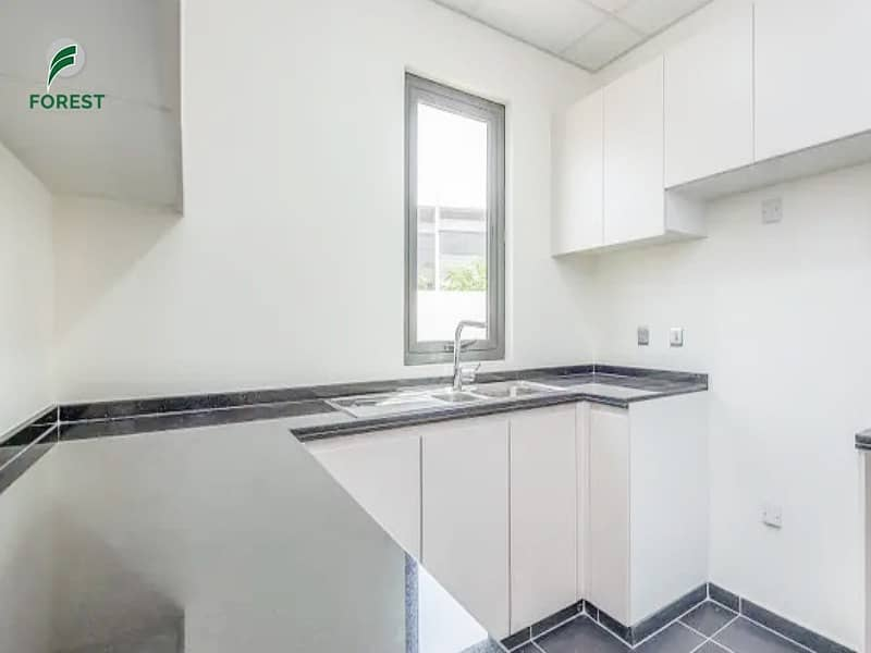 2 High Quality|  4 Beds |  Townhouse | Unfurnished