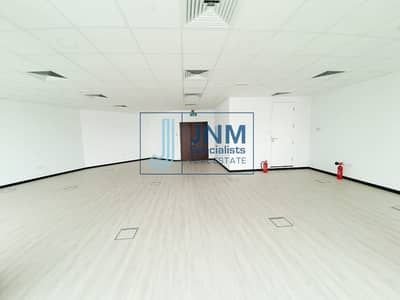 Office for Sale in Jumeirah Lake Towers (JLT), Dubai - Fitted Office with Pantry | Mid Floor | Lake View