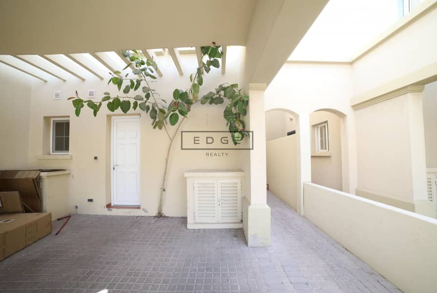 2 2BR   Close to Entrance   Study Room