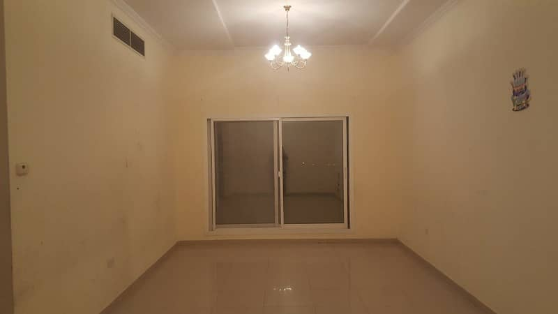 HUGE;2BHK AVAILABLE WITH BIG BALCONY BIG KITCHEN FREE PARKING NEAR METRO IN 50K
