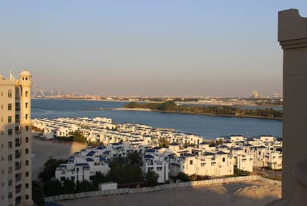 بنتهاوس 4 غرف نوم للايجار في نخلة جميرا، دبي - Price Reduced Penthouse 4 Br + M With Beach Access