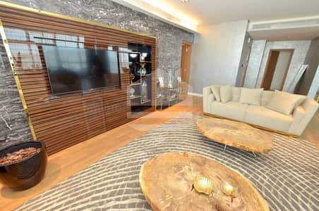 Exclusive Unit with Vast Terrace in Twelve Cheques