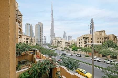 فلیٹ 2 غرفة نوم للايجار في المدينة القديمة، دبي - Exquisitely Styled Arabic Home with Burj view