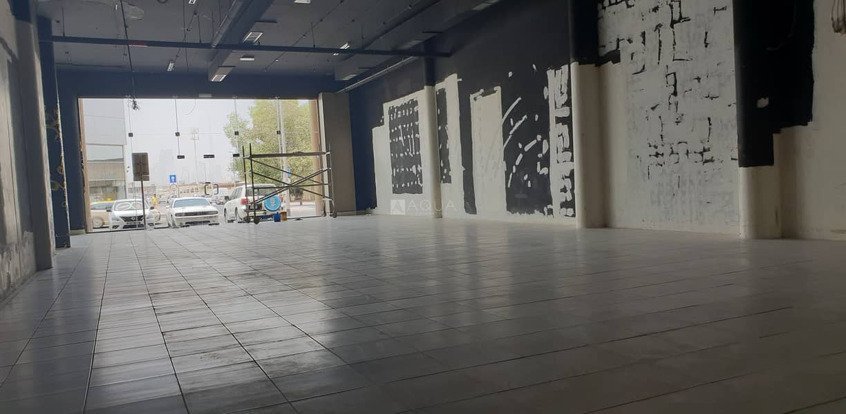 10 Ready Showroom | Built in office | Al Quoz