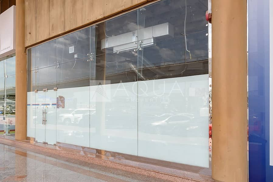 12 Ready Showroom | Built in office | Al Quoz
