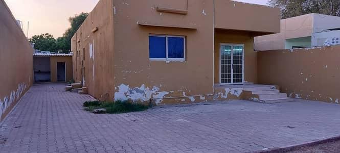 فیلا 2 غرفة نوم للايجار في الجزات، الشارقة - فیلا في الجزات 2 غرف 45000 درهم - 4712282