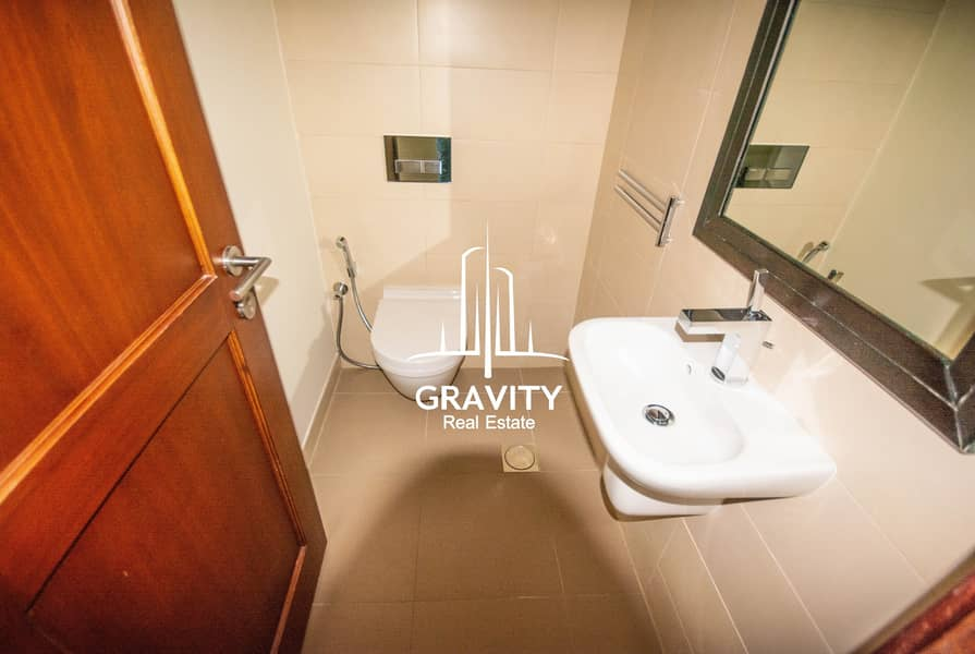 13 Luxurious Living 1BR Apt W/ Awesome Facilities