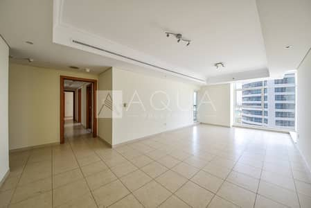2 Bedroom Apartment for Rent in Jumeirah Lake Towers (JLT), Dubai - Bright and Spacious | Maid's Room | Lake Views