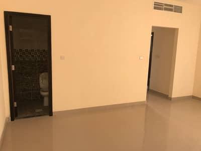 شقة 1 غرفة نوم للايجار في المويهات، عجمان - للايجار شقه مكونه من غرفة وصالة اول ساكن بنايه جديدة على الشارع