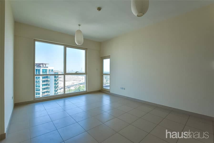 1 Bedroom   Golf Views   Well Maintained   Vacant