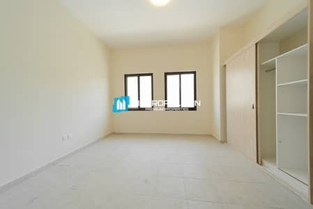 4 Bedroom Villa for Rent in Al Khalidiyah, Abu Dhabi - Zero Commission! Pay Up To 12 Cheques! Occupy Now!