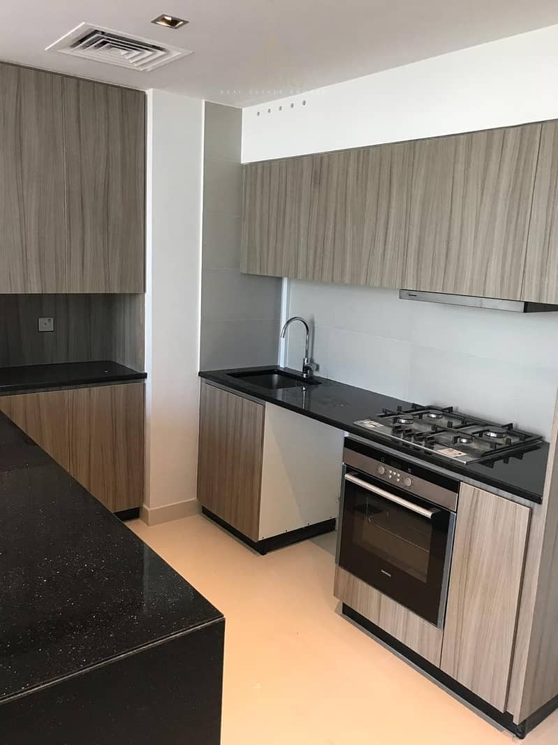 10 Good invest! 1 BR apartment with balcony