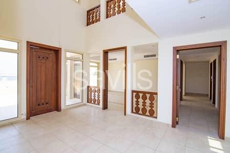 فیلا 5 غرف نوم للبيع في قرية الحمراء، رأس الخيمة - Spectacular Beach villa | attractive price