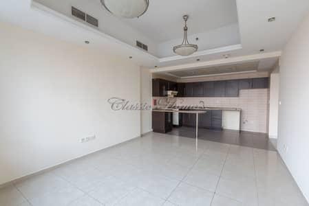 شقة 1 غرفة نوم للايجار في أبراج بحيرات الجميرا، دبي - Unfurnished 1 Bedroom in Al Waleed Paradise