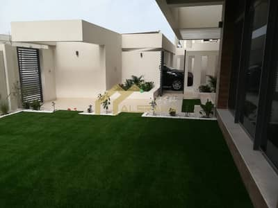 4 Bedroom Villa for Sale in Yas Island, Abu Dhabi - deal for sale 4BR villa in prime location with a Private Garden