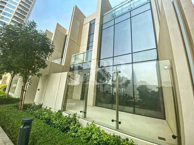 4 Bedroom Flat for Rent in Downtown Dubai, Dubai - Rare Villa In Downtown | Spacious 4 Beds