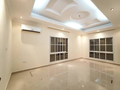 5 Bedroom Villa for Rent in Al Rawda, Ajman - A second clean villa, excellent location, near the continental street, with air conditioners, large monsters