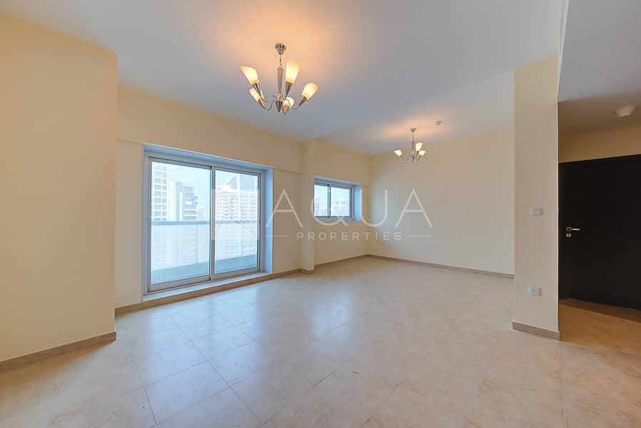 2 Brand New 2 Beds Apartment with Lake View
