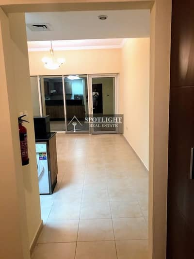 Studio for Rent in Downtown Dubai, Dubai - Beautiful Large Studio For Rent Down Town