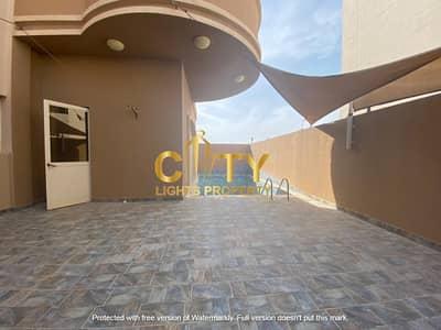 فیلا 6 غرف نوم للايجار في البطين، أبوظبي - فیلا في مطار البطين البطين 6 غرف 250000 درهم - 4714663
