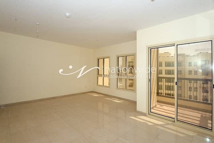 2 Expansive Home with Balcony and Close to Mall