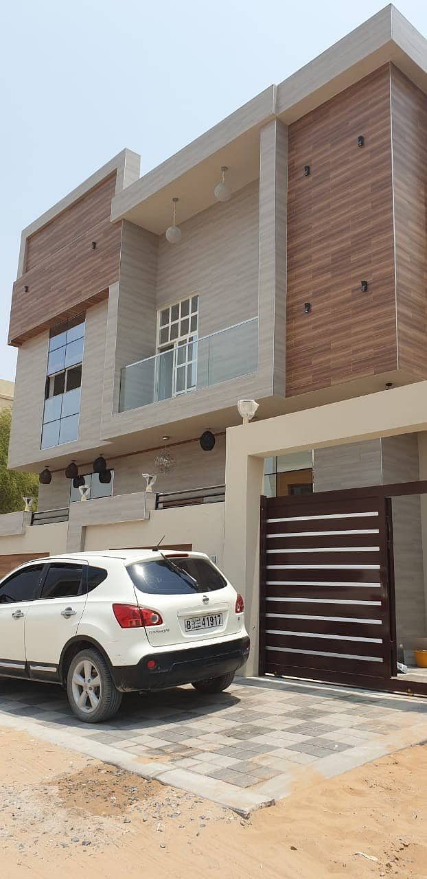 A modern villa in al yasmeen for sale with perfect price