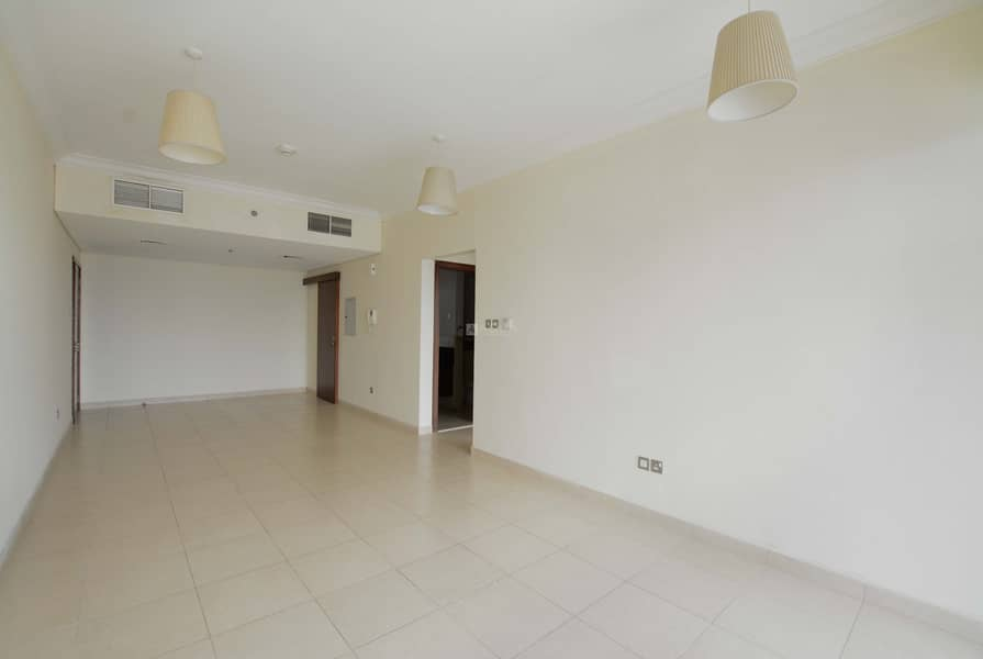 2 Luxurious 1 Bed with Balcony | Mid Floor