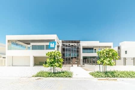فیلا 4 غرف نوم للبيع في جزيرة السعديات، أبوظبي - Very Huge / 2BR+1+1 Stand Alone Villa with Balcony
