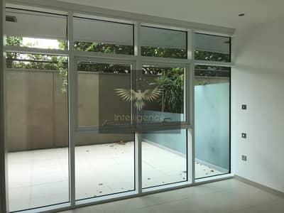 2 Bedroom Apartment for Rent in Al Raha Beach, Abu Dhabi - Stunning Spacious Unit w/ Relaxing Backyard