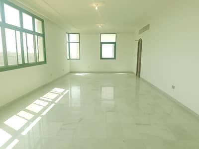 4 Bedroom Flat for Rent in Al Khalidiyah, Abu Dhabi - Best offer This Week Cozy Flat! 4 BHK   2 Master Room   5 Bathrooms   @90K!