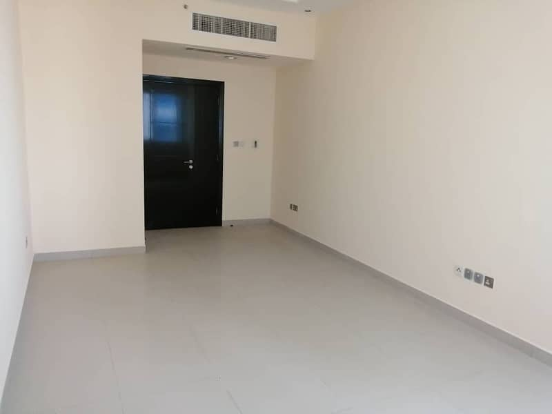 Nice Apartment 2bhk with 3 bathroom with underground  parking