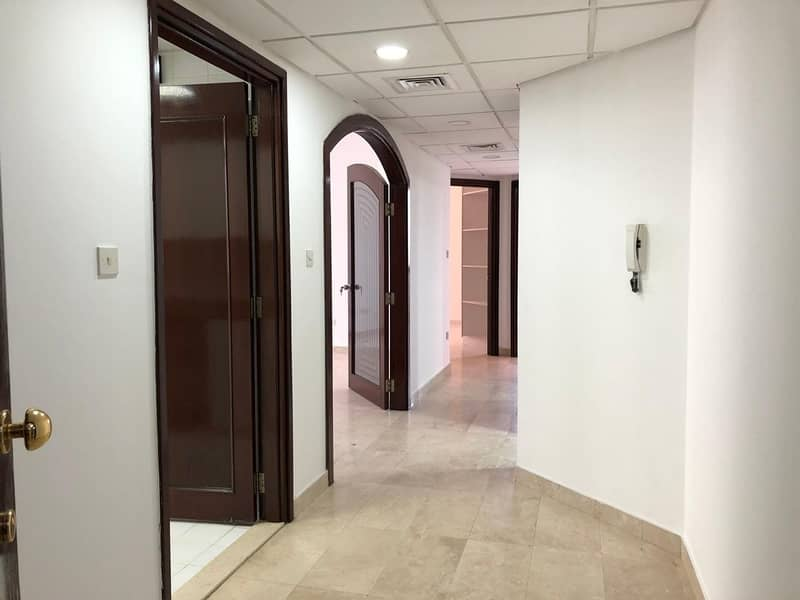 2 Spacious: 2 Bedrooms 2 Full Bathrooms Spacious Living Hall Located At Delma St in 60k