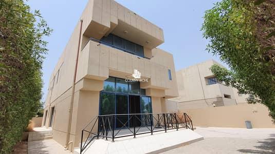 فيلا تجارية 4 غرف نوم للايجار في جميرا، دبي - Commercial | Beach Villa | Specious