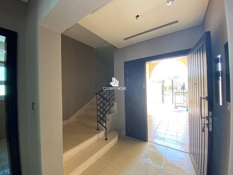 12 Huge Private Garden   2BR Nakheel Villa   Dist -16