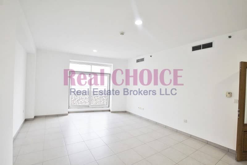 2 Huge 1 bedroom with good view | Terrace | Vacant