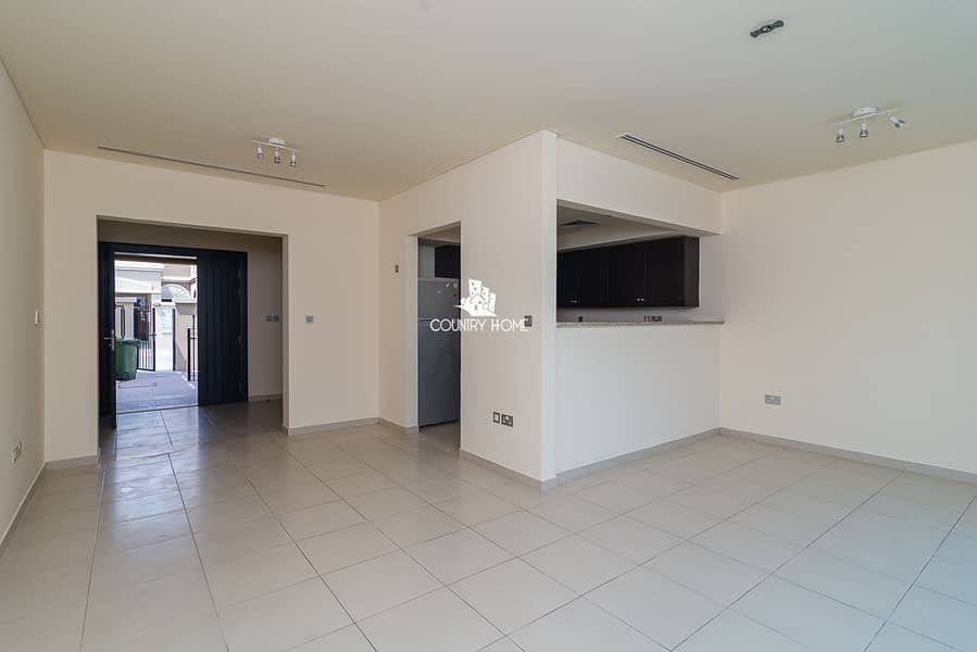 2 Upgraded 1 bed TH |lovely garden | available now