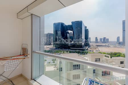 3 Bedroom Flat for Sale in Business Bay, Dubai - Lovely 3 BR Plus Maid's Room in Executive Towers