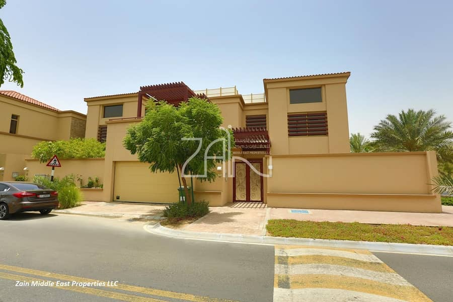 Single Row Luxurious 5 BR Villa with Private Pool and Garden