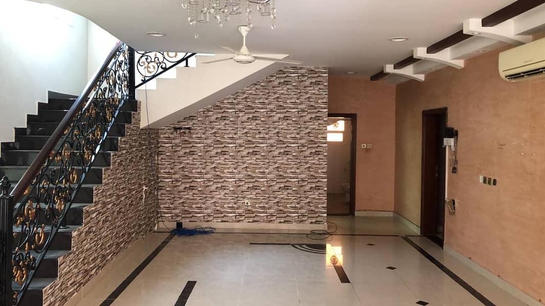 A clean two-storey villa, fully maintained with air conditioners, near the street and near the Al-Abaya roundabout