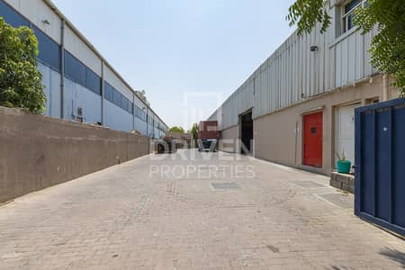 Warehouse for Sale in Al Quoz, Dubai - Road Side Warehouse for  Sale in Al Qouz