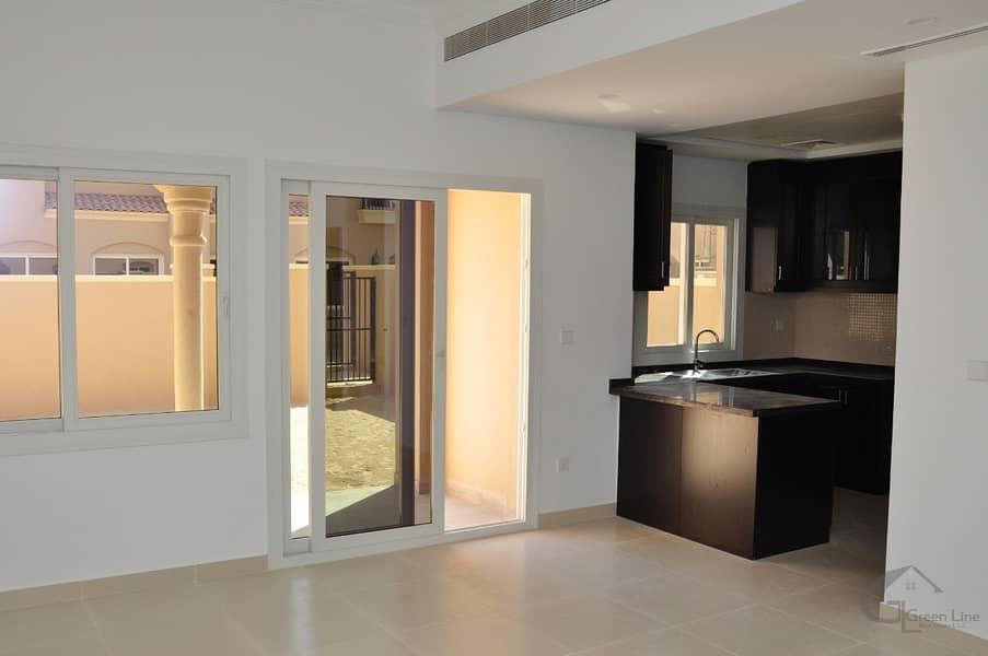 2 Single Row   3 BR+Maid Villa   85k 4 Chqs   Very Near to Pool N Park