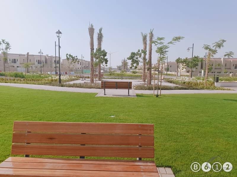 12 Single Row   3 BR+Maid Villa   85k 4 Chqs   Very Near to Pool N Park