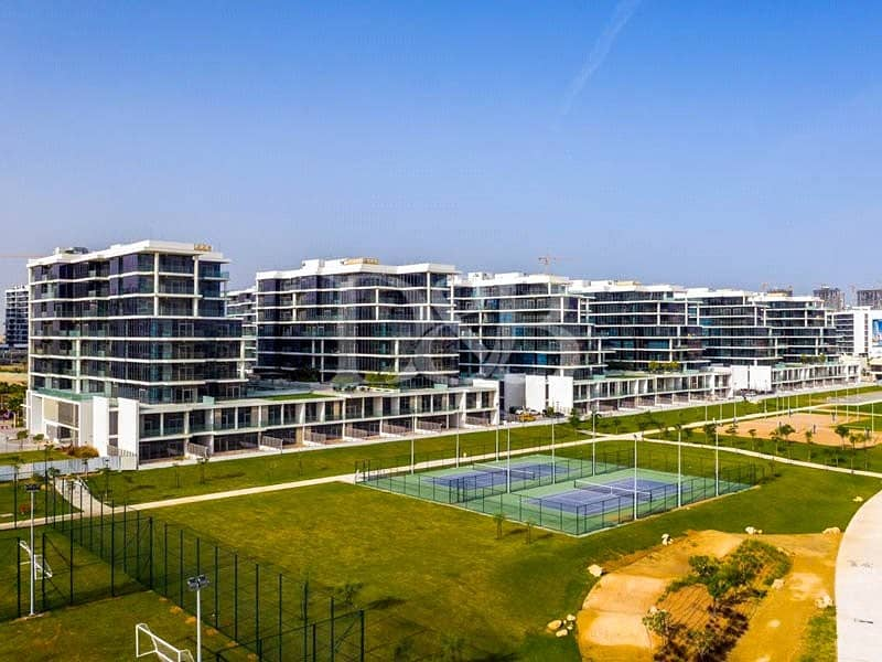 10 2 Bed   Huge in Size   Golf Community