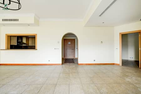 2 Bedroom Apartment for Rent in Palm Jumeirah, Dubai - Amazing Unit | 2 Beds | Unfurnished | Vacant