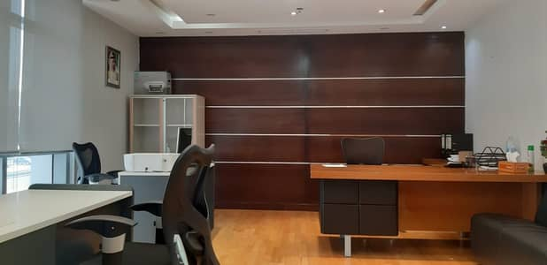 Office for Rent in Deira, Dubai - Fully Serviced Office | 200Sqft | AED 18,500 Only | Free Chiller, DEWA, WIFI | Meeting Room